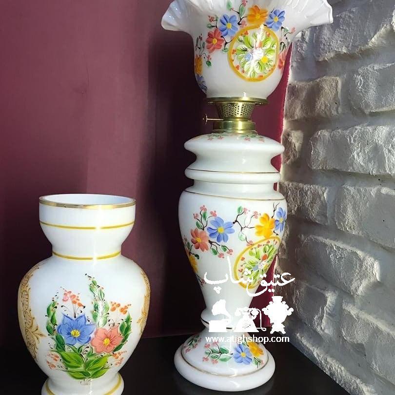 چراغ لاله و گلدان دو پوست تمام نقاشی دست فوق العاده زیبا و کم یاب