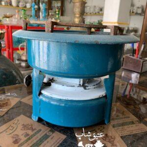 چراغ سه فتیله قدیمی خوش رنگ و سالم مناسب برای دکور  و استفاده